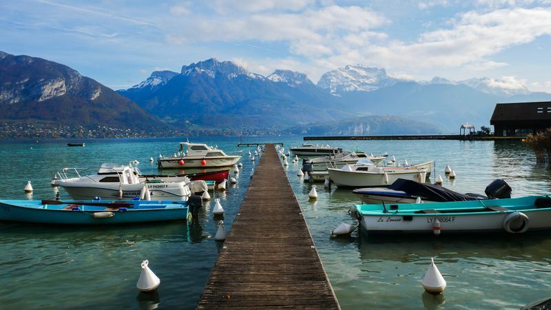 Molo u jezera Annecy